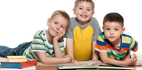Drenge læser